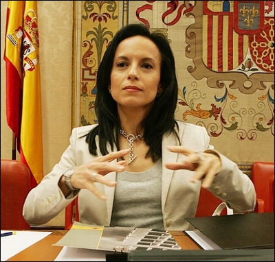 Beatriz Corredor, Minister of Housing