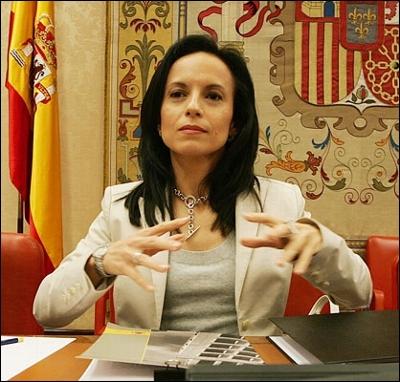 Beatriz Corredor, Minister of Housing
