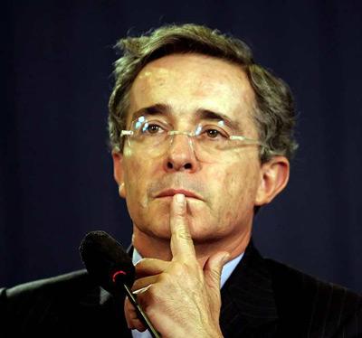 Uribe es una pieza clave para Washington. EFE