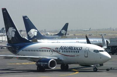 Aterriza en México un avión con secuestradores cargados con explosivos