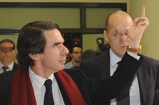 Aznar se pone la peineta